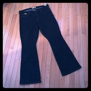 Gap size 34R dark wash baby boot jeans New